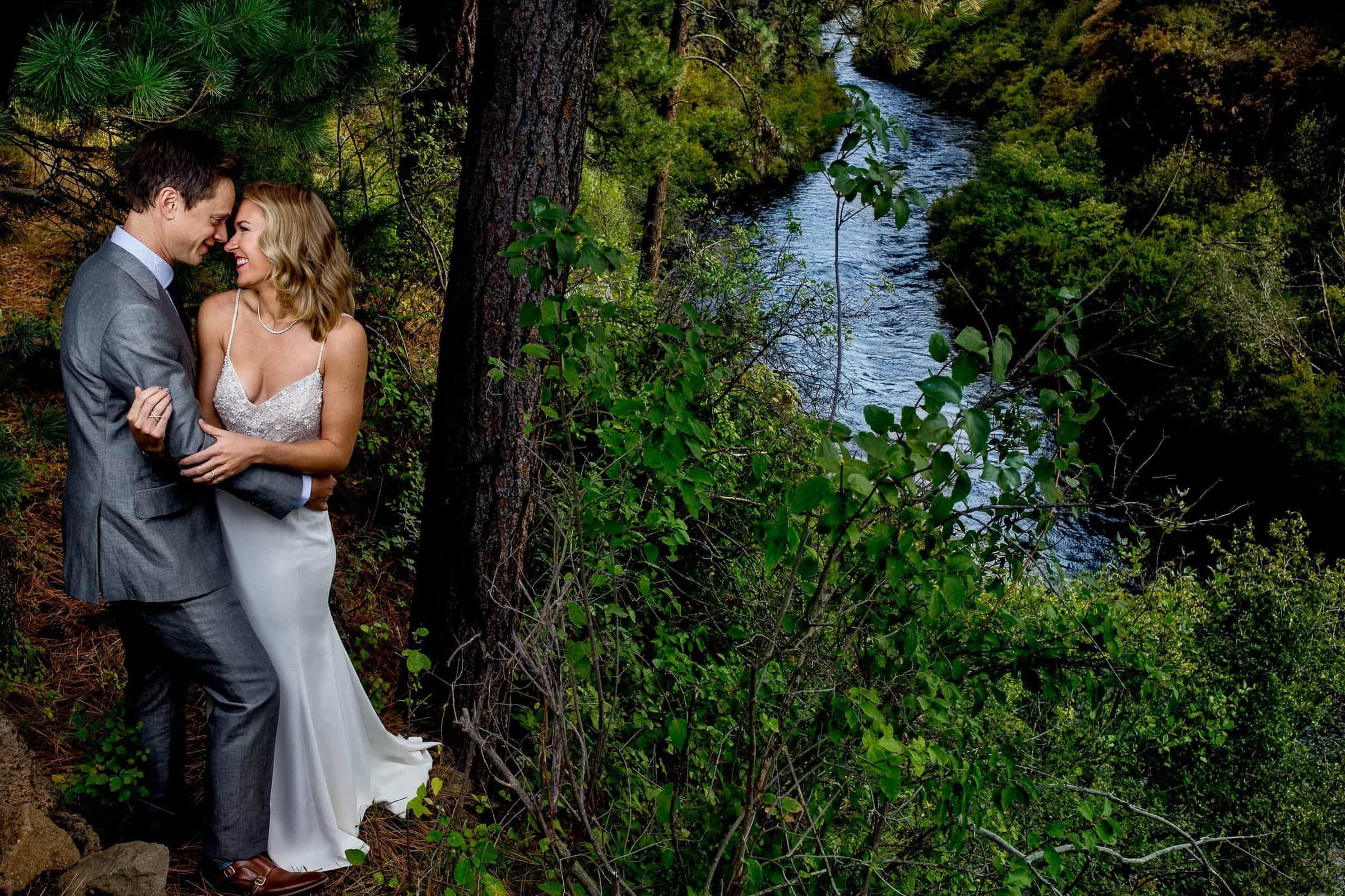 house on metolius wedding jos and tree photography