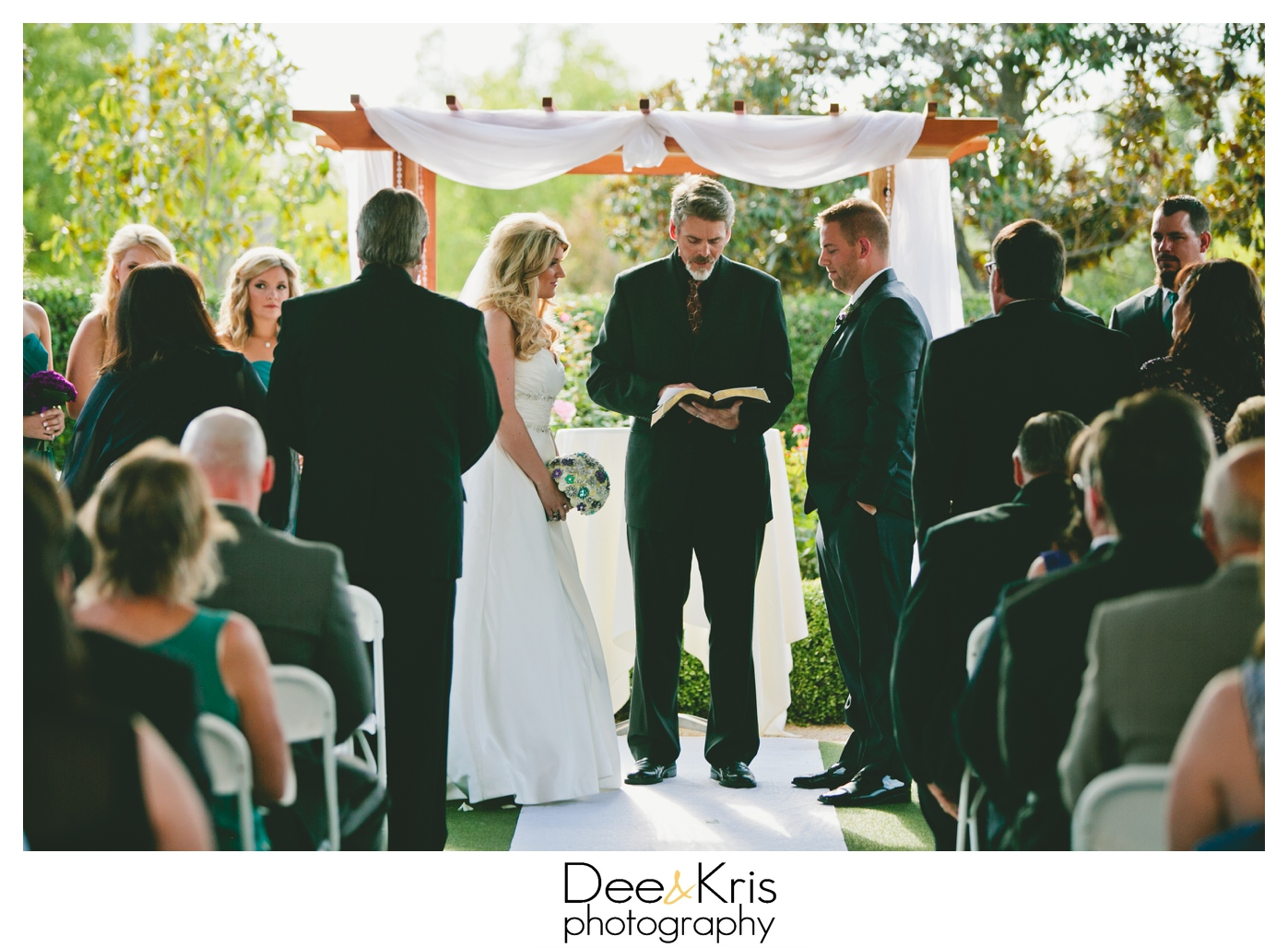 timber creek ballroom wedding dee and kris photography