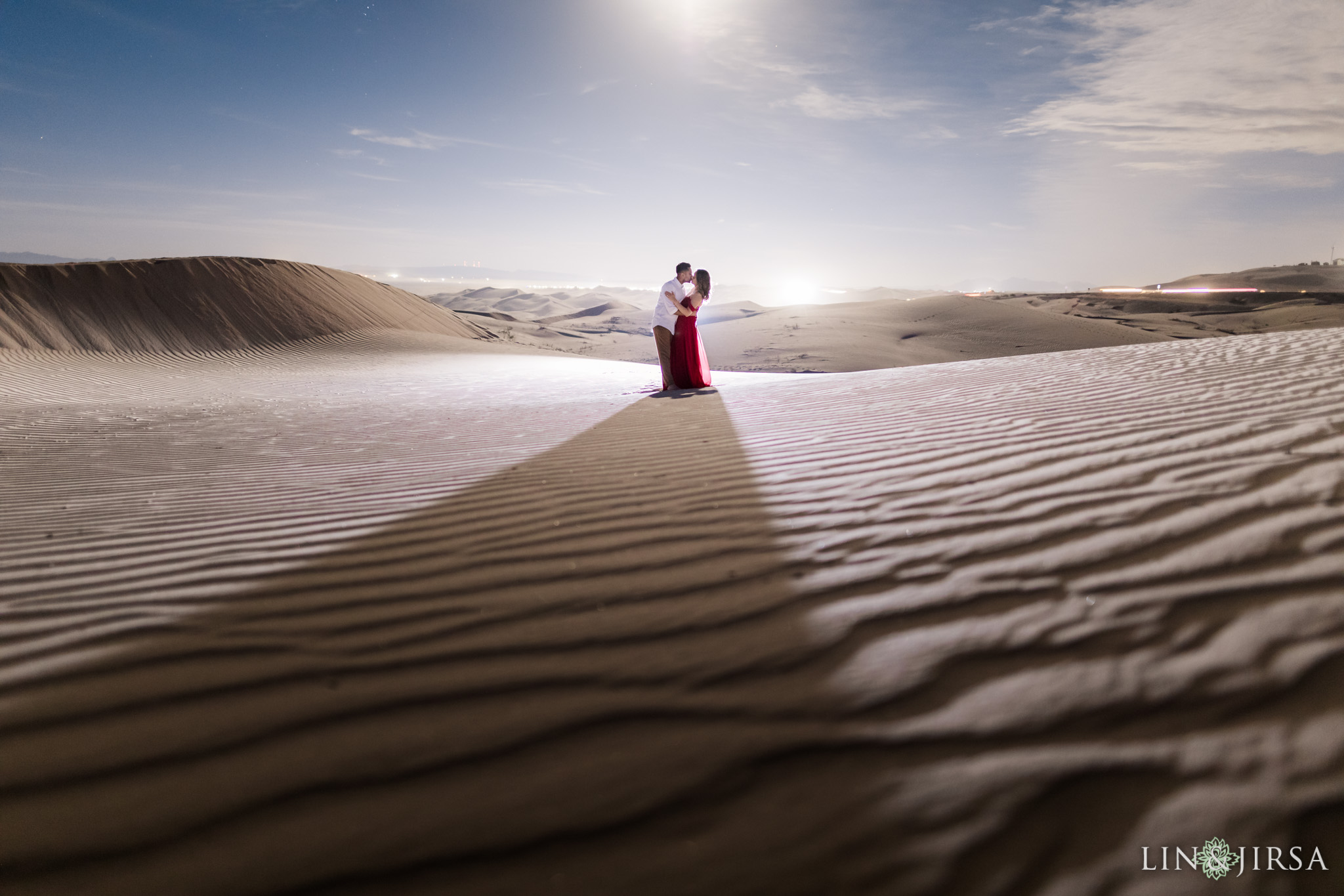 imperial sand dunes engagement lin and jirsa photography
